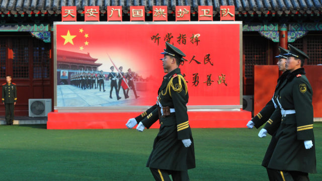 ハンター・バイデンとは?中国との関わりが父親の大統領選の弱点に!1