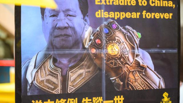 ハンター・バイデンとは?中国との関わりが父親の大統領選の弱点に!2