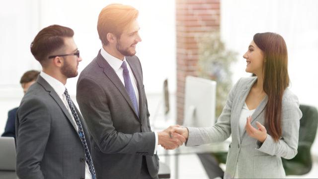 デジタル庁の民間の採用人数は?女性がトップの可能性で職員への影響も6
