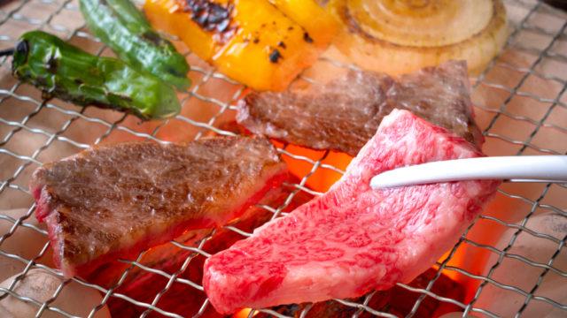 焼肉店の業績が好調な理由は?飲食業界で独り勝ちのバブル状態の理由も!